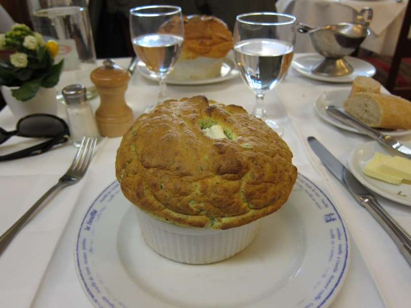 Spinach and goat's cheese souffle